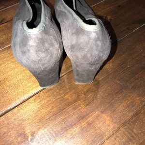 Stuart Weitzman Shoes - Women's size 8.5 Stuart weitzman heeled booties